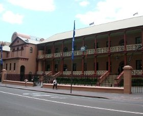 Parliament House - Kalgoorlie Accommodation