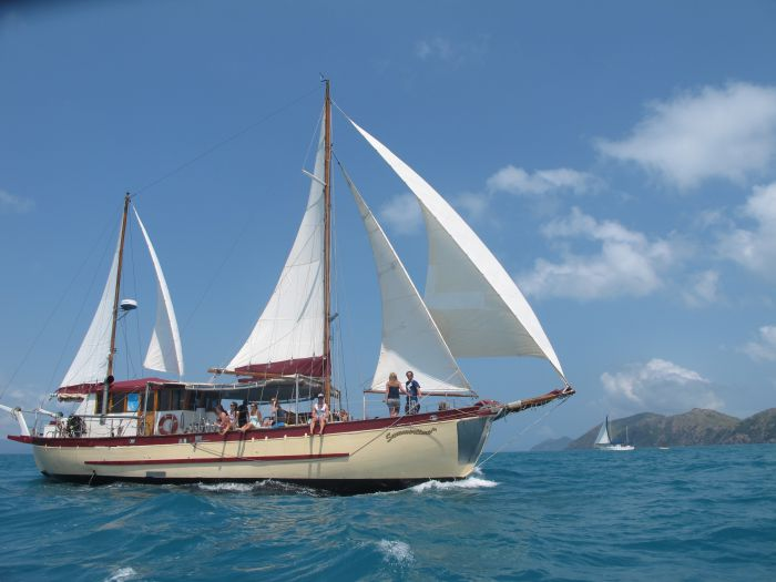 Adventure Cruise Dive and Outer Reef - Whitsundays Sailing Adventures - Kalgoorlie Accommodation