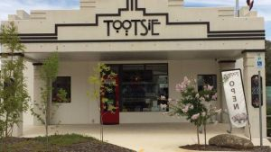 Tootsie Fine Art and Design - Kalgoorlie Accommodation
