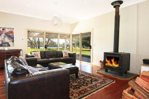 Terara Riverside Retreat - Kalgoorlie Accommodation